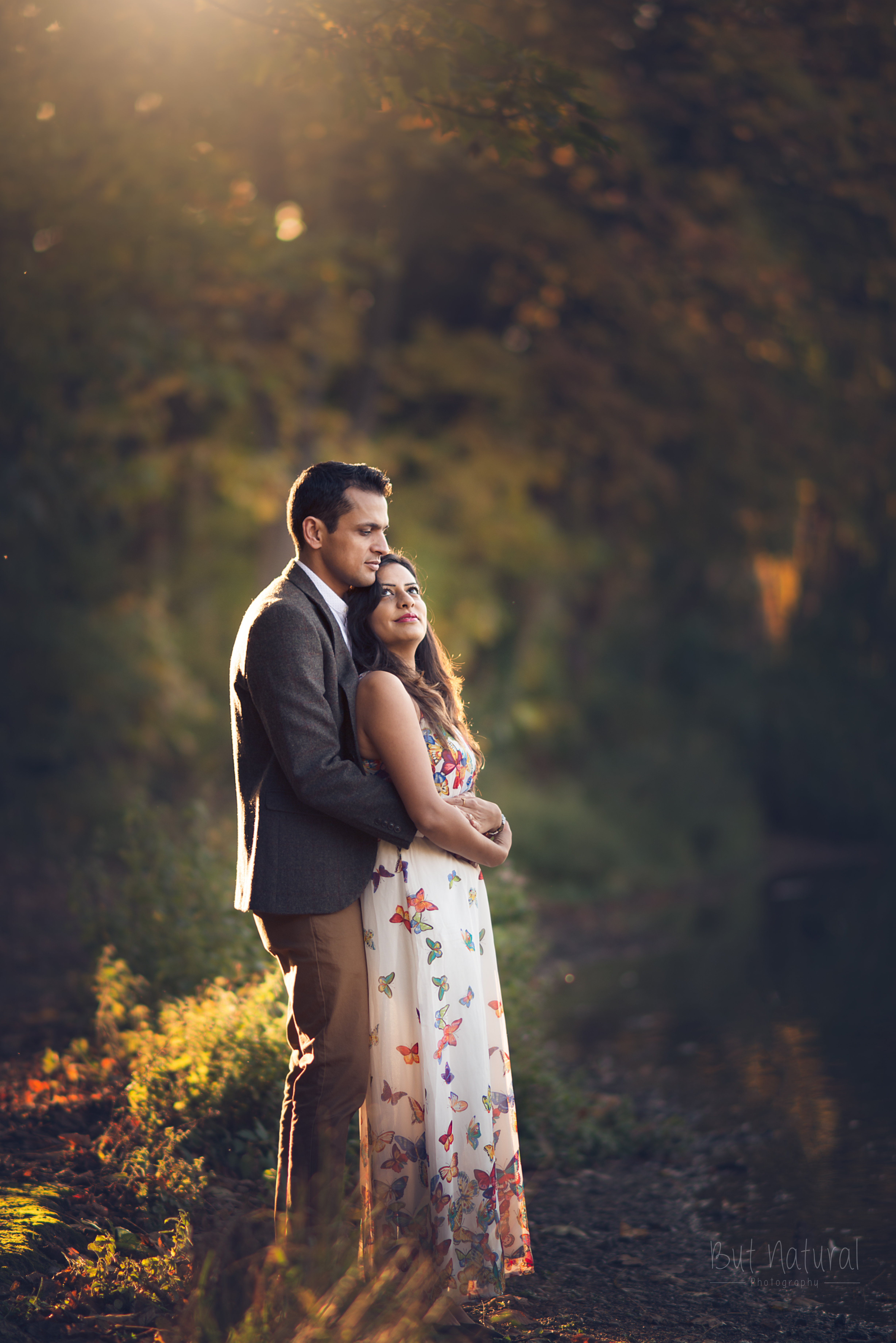 couple photoshoot natural light in london kent. UK But natural photography. Sujata