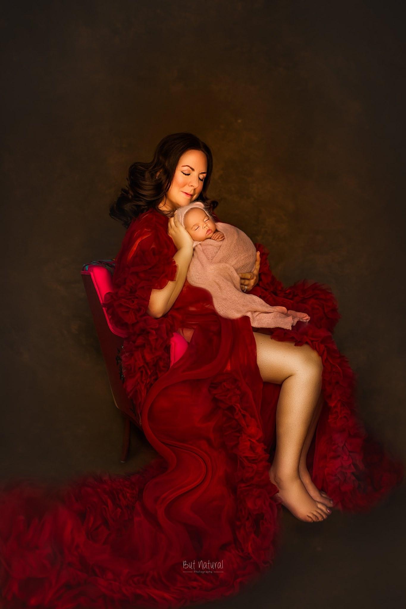 Mom with her newborn baby | Sujata Setia - Newborn photographer | But Natural Photography