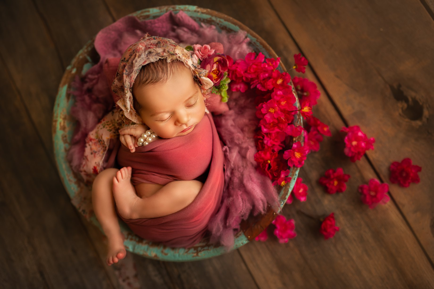 Newborn baby Photoshoot ideas by Sujata Setia in London available globally| But Natural Photography
